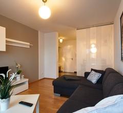 Ferienwohnung Alina (DE Saaldorf-Surheim). ***Ferienwohnung 45 qm mit 1 separatem Schlafzimmer 2