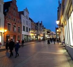 Altstadtblick mit Terrasse/Parkplatz - 34 2