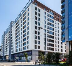 Warsaw Spire Bright Apartment 2