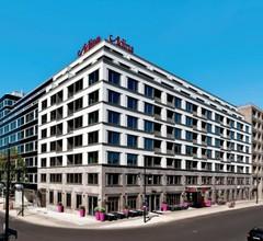 Adina Apartment Hotel Berlin Hackescher Markt 2