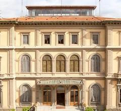 Emerald Palace Hostel 1