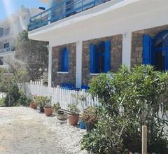 Eleftheria Sea Side Traditional House 1