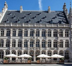 Hotel The Fourth - Tafelrond 1