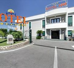Hotel 2000 1