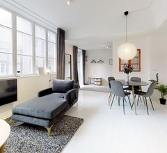 Charming designer loft by Kongens Nytorv 1