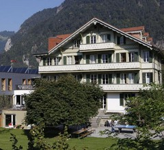 Chalet Hostel @ Backpackers Villa Interlaken 2