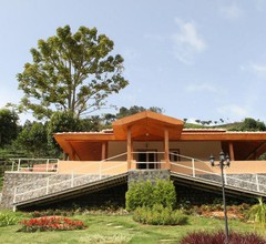 Chow Chow Valley Resort 1