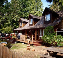 Up The Creek Backpacker's Lodge 2