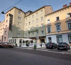 Hotel Lokomotive 2