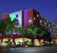 DoubleTree by Hilton San Antonio Downtown 1