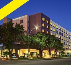 DoubleTree by Hilton San Antonio Downtown 2