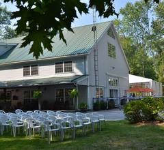 Timber House Resort 1