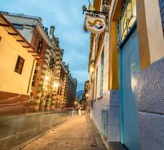 Graffiti Hostel Bogota 1