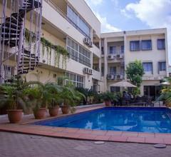 Cata Apartment Hotel And Spa 2