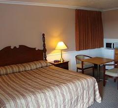 Royal Napanee Inn 2