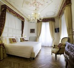 Hotel Jolanda 2