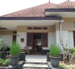 Merbabu Guest House 1