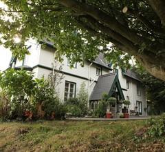 Robin Hill House 2