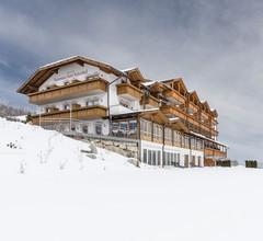 Panorama Hotel Huberhof 1