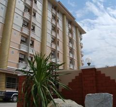 OYO 827 Preechana Golden Place Service Apartment 2