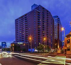 Les Suites Hotel Ottawa 1