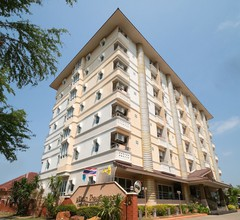 OYO 827 Preechana Golden Place Service Apartment 1