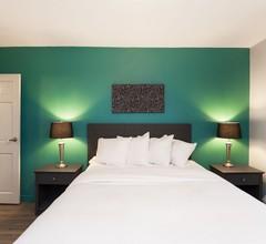 LES Hotel & Suites 2