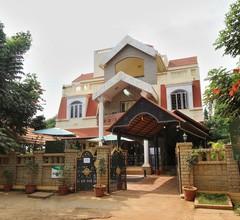OYO 10438 Green Villa 1