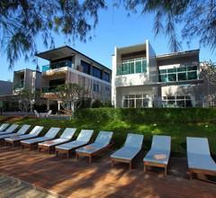 Sea & Sea Villa Resort Sangaroon 1