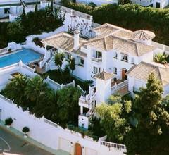 Fantastisch Großen Palast in Nähe von Strand und Golfplatz in La Cala de Mijas 2