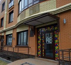 Re Hostel 1