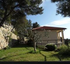 Haus mit Garten an der Italienischen Riviera in der Nähe der Französisch Riviera 1