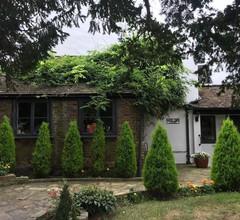 West End Lodge 1