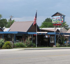 Blue Gables Motel and Coffee Shop 1