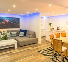 Luxury Apartment & Penthouse Villa 1