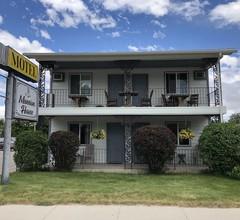 Mansion House Inn & Motel 1
