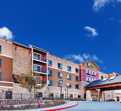 Holiday Inn Hotel & Suites Durango Central 2