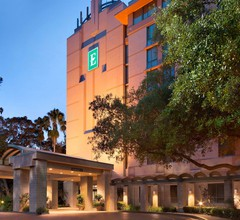 Embassy Suites By Hilton Tampa Usf Near Busch Gardens 1