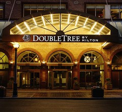 DoubleTree by Hilton Toronto Downtown 1