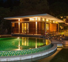 Le Relax Luxury Lodge 1