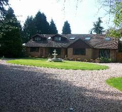 Barncroft Luxury Guest House 2
