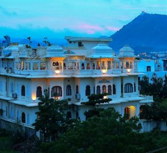 Jaisingh Garh Hotel and Resort 2